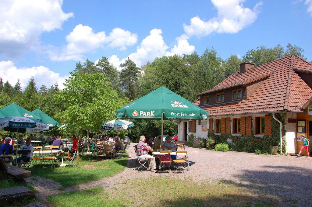Pfälzerwald-Verein Dahn e.V. - Wanderhütte Im Schneiderfeld